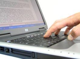 hand laptop
